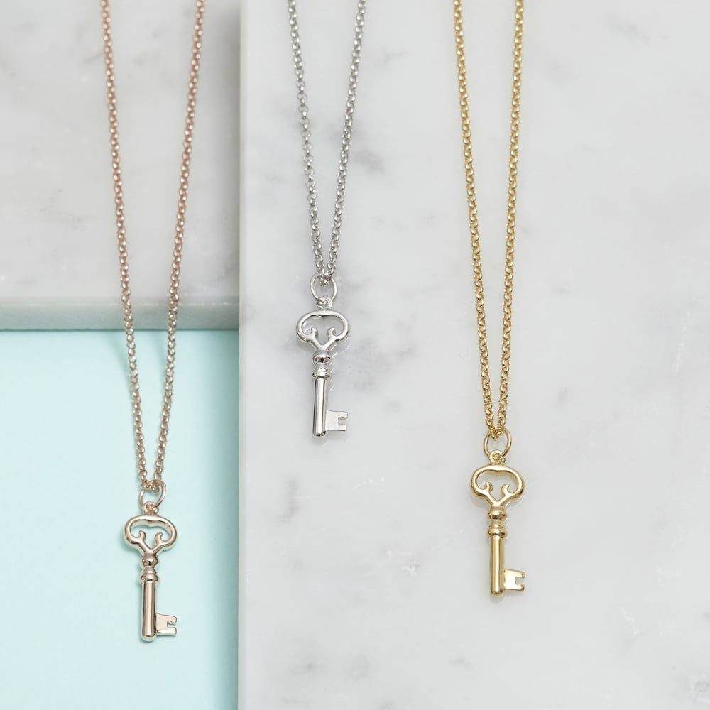 allure oceans necklace heart key
